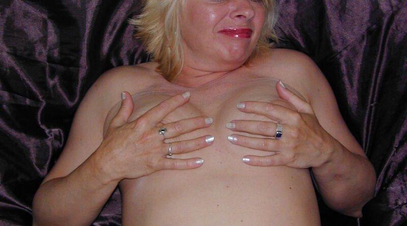 Nackt drall und Berlin Porn