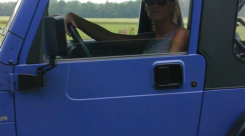 outdoor im jeep voyeur 02