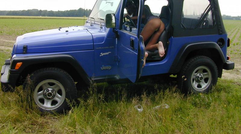 outdoor im jeep voyeur 13