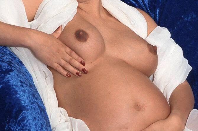 schwanger privat nackt 50