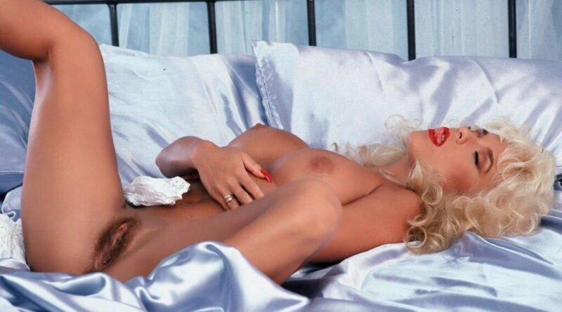 blonde wichserin 06